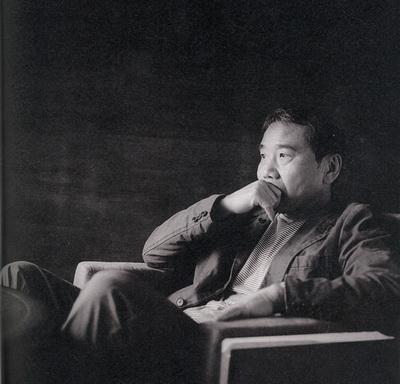 村上春树的中年危机 抽烟喝酒吸猫
