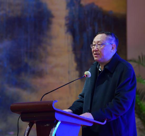 中国作家协会副主席、中国作协儿童文学委员会主任、著名儿童文学作家高洪波