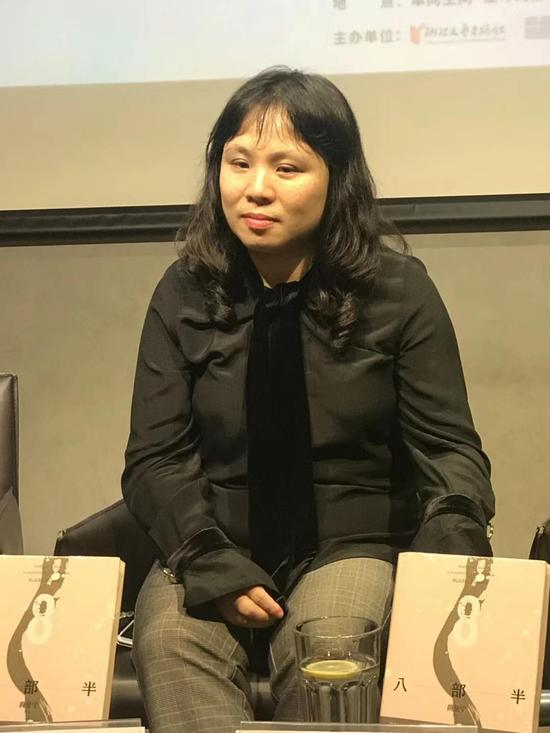 横跨翻译、出版、创作三界的新锐作家黄昱宁