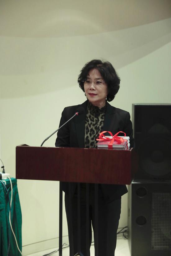 人民文学出版社副总编辑肖丽媛女士