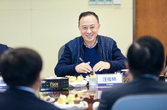 △汪俊林董事长表示,民生银行是郎酒最核心的合作伙伴之一