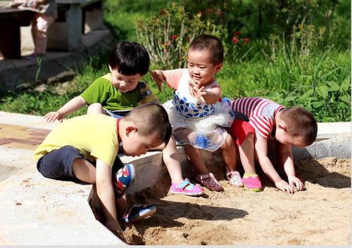 福彩公益金资助儿童福利院孤残儿童