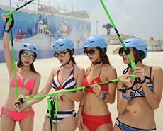 滑雪场美女穿比基尼免费入场