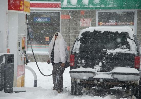 油价在线配资 效劳公司(Oil Price Information Service) 示意,汽油的批发价钱能够很快会跌至1.79美圆/加仑摆布的旺季低点,而后下跌。