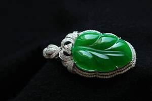 翡翠到底属于玉石还是宝石