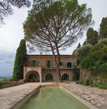 毕加索生前最后豪宅要拍卖 它究竟坐落在哪个城市