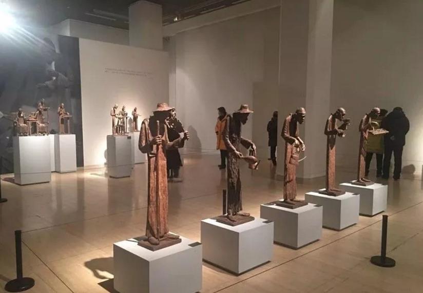 """""""匠心入木""""李先海雕塑艺术展在中国美术馆举行"""
