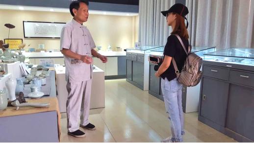 李廷怀告诉记者:汝瓷应该成为富家富国富民的产业