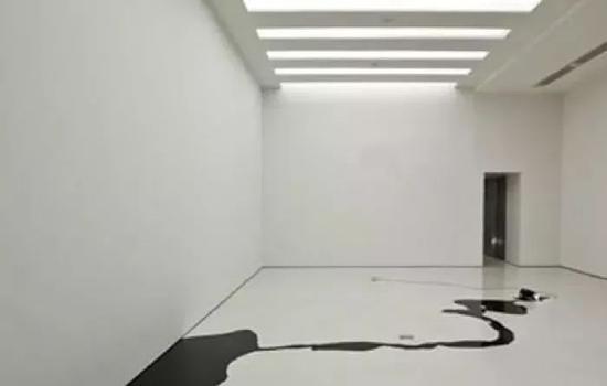 基蒂�q克劳斯《无题》装置,纽约古根汉姆美术馆,2006年