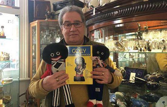 英国古董店主售卖怪物娃娃 被指种族歧视引争议