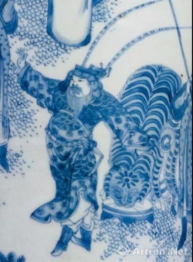 筒瓶上描绘的成吉思汗
