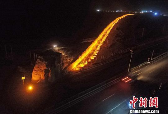 图为甘肃张掖市山丹县境内的明长城遗址。(资料图) 杨艳敏 摄