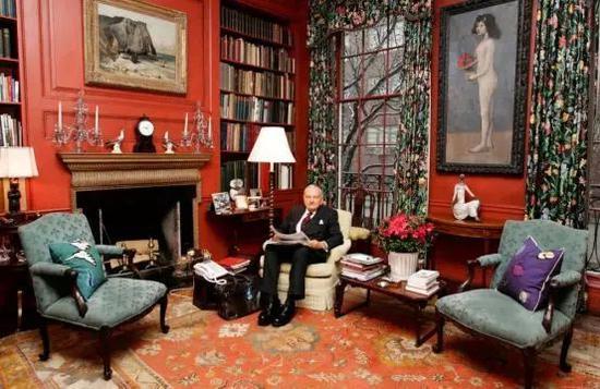 毕加索《提篮花的女孩》(右),原格斯泰因兄妹收藏,后转手于藏家佩吉及大卫洛克菲勒夫妇,2018年在佳士得以1.1亿美金成交