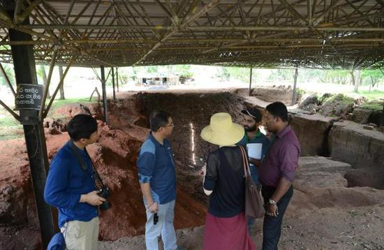 参观阿努拉德普勒古城考古区