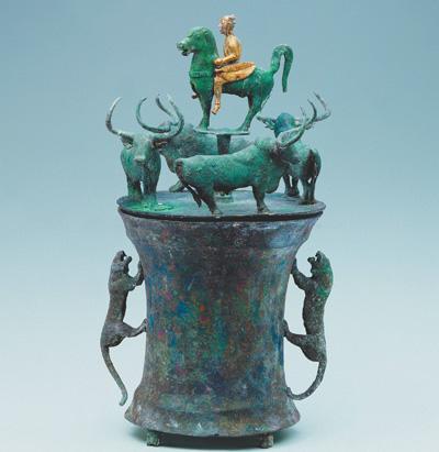 古滇国青铜贮贝器成无声史书海贝或是国际货币