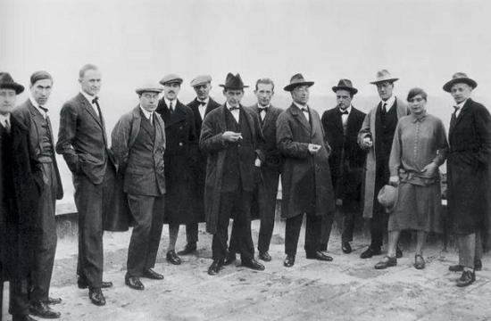 1920年包豪斯部分教师在魏玛的合影