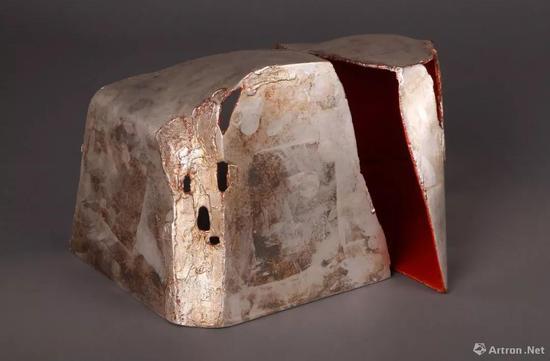翁纪军 ,《立体山水》之二, 2013年,大漆苎麻脱胎,高25cm