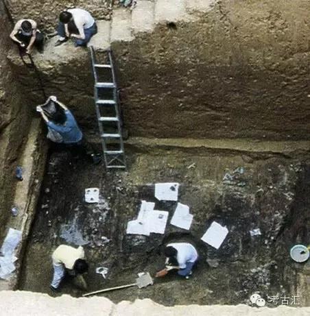 ▲长子鲍店墓地M1发掘现场