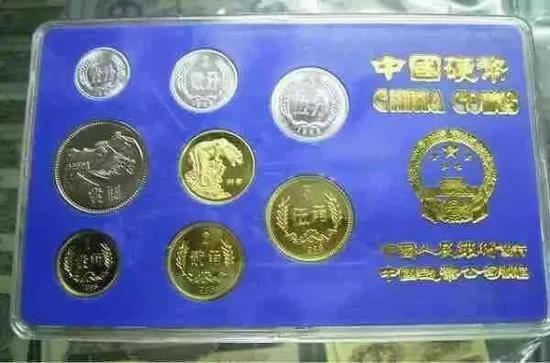 1986年长城币套装