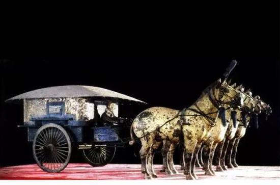 ▲秦始皇陵二号铜车马这是一辆典型的安车
