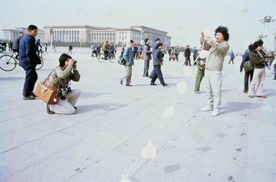 全球化下的艺术变革和社会运动