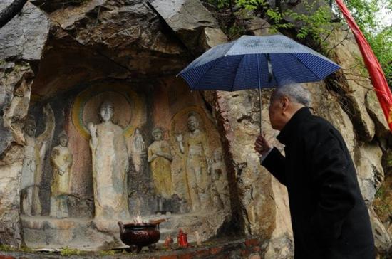 中国最早卢舍那佛像