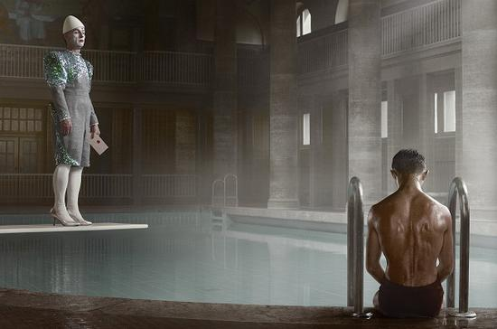 """埃文·奥拉夫,""""柏林""""系列,《新克尔恩浴池-2012年4月23日》,2012"""