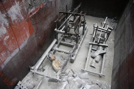 2013年成都老官山织机模型出土情况