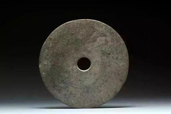 刻纹玉璧 浙江省博物馆藏