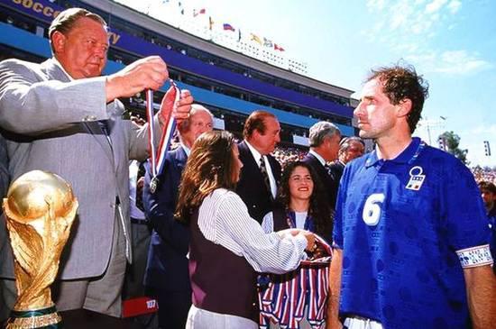 1994年,错失冠军的意大利队员Franco Baresi目光中带着杀气。