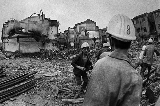 1988年,上海,吴淞区摘牌拆迁,该区与宝山县合并为宝山区。