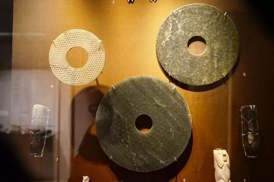 玉璧 东周-汉,公元前3-2世纪