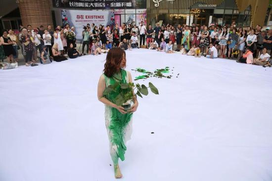 国际女性艺术展在梅溪展厅开幕