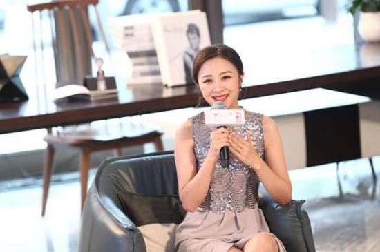 北京电视台著名主持人周宇露女士