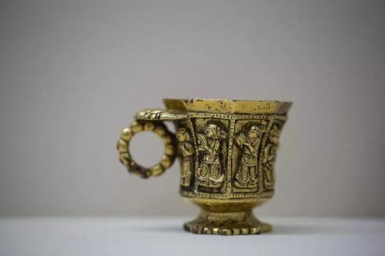 伎乐纹八棱金杯 1970年陕西省西安市何家村窖藏出土 陕西历史博物馆藏