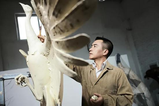 雕塑家蔡志松