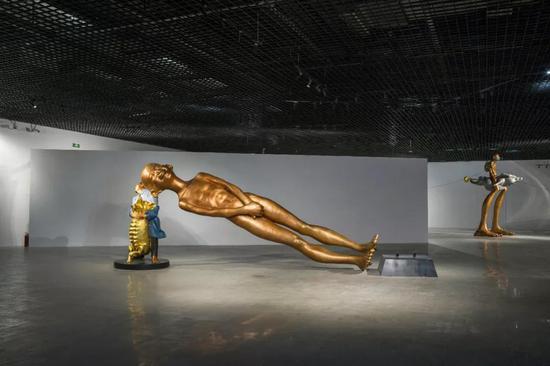 陈文令《超常规》720x250x180cm 铜着色 2018年