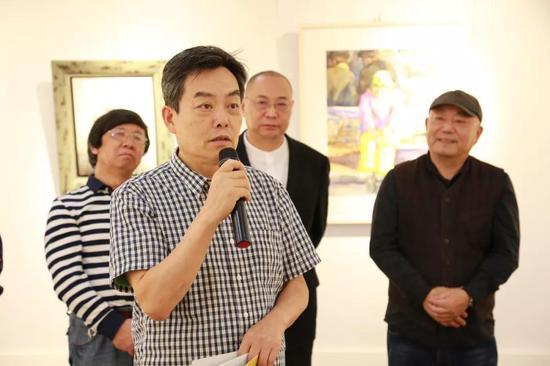 华东师范大学图书馆馆长胡晓明教授