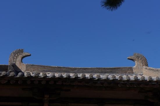 在后来的修缮中,山西南禅寺加上了唐风的鸱尾