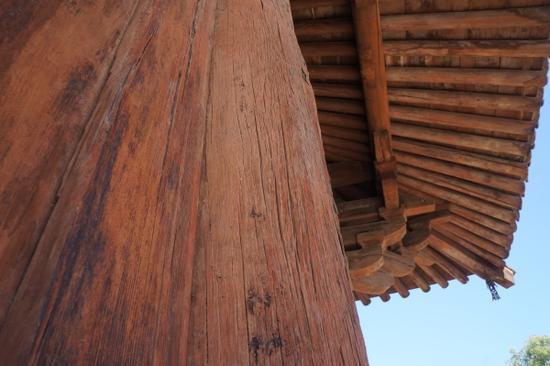 南禅寺为中国现存最早主体为旧构件的木结构歇山式建筑