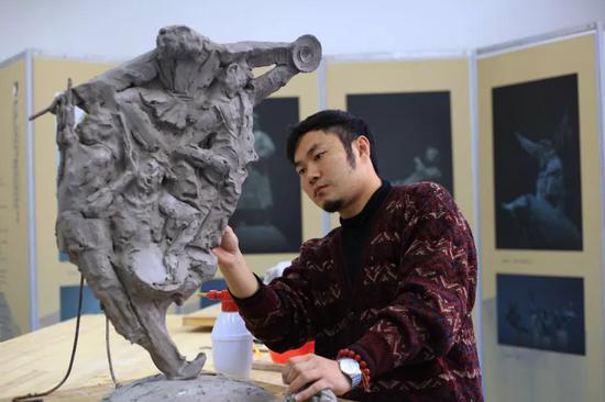 雕塑家:付磊磊