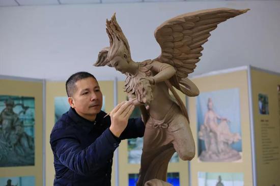 雕塑家:罗承齐