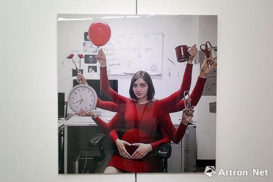"""阿马利娅·乌尔曼作品""""优越""""系列作品"""