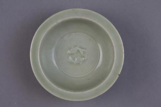 元 龙泉窑青釉双鱼纹洗 现藏于故宫博物院
