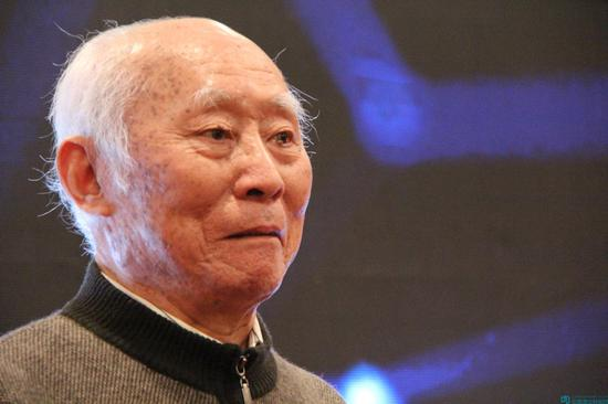 著名邮票设计大师吴建坤