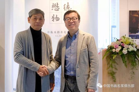 德懋堂董事长卢强博士(右)、著名画家许振先生(左)