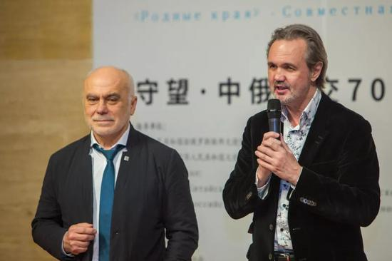 俄罗斯联邦美协主席安德烈与苏里科夫美院院长刘巴文致辞