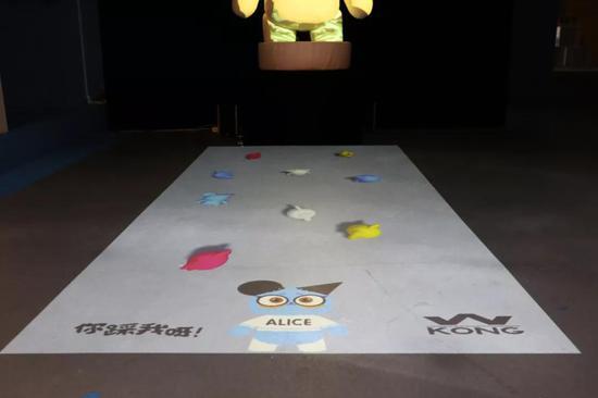 本次展览携手视田科技打造首个潮流玩具3D互动投影项目