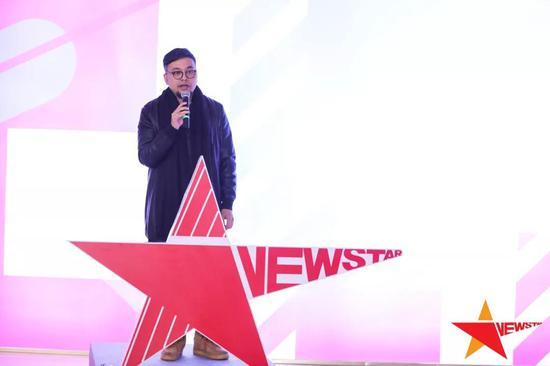 ▲新星星艺术家代表杜荣坤