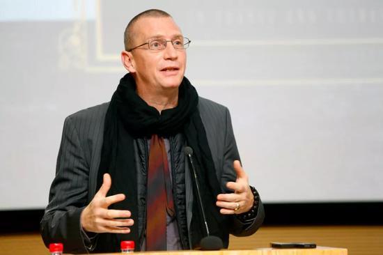 本次展览专题策展人代表、中国留法艺术家研究学者菲利普·杰奎琳致辞